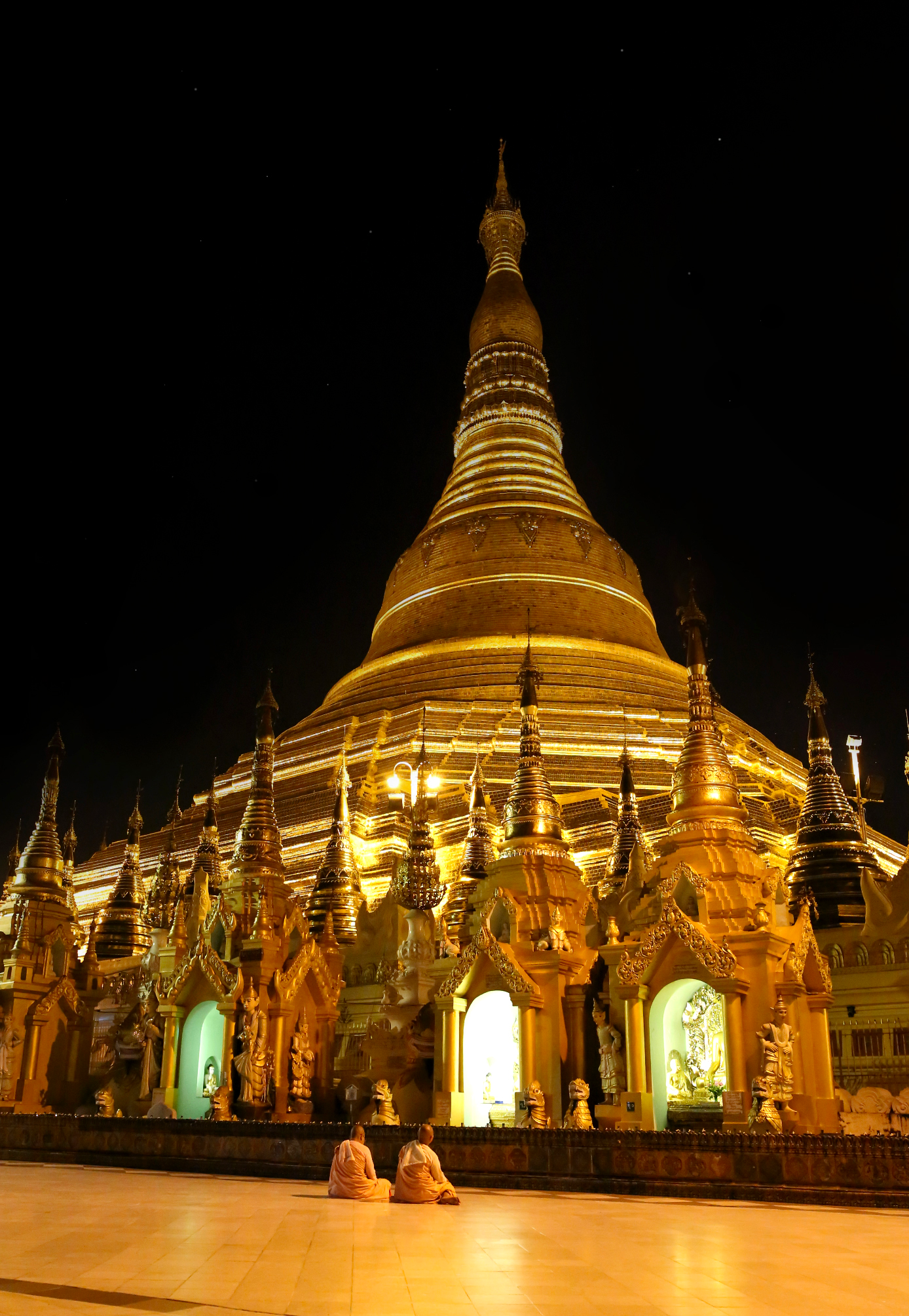 Schwedagon Pagoda Web